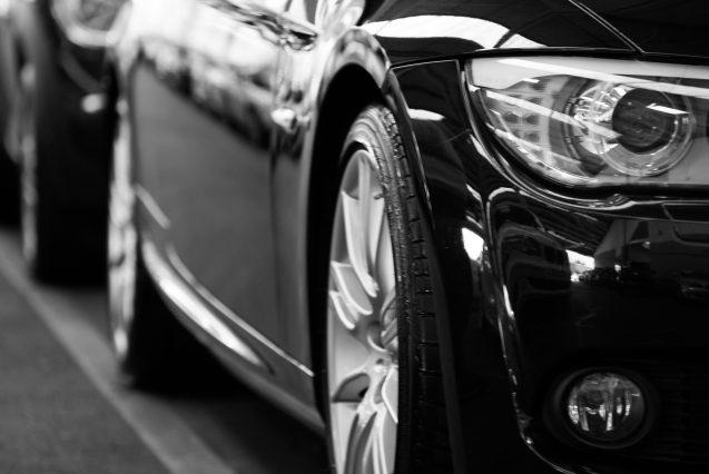 automobiles-automotives-black-and-white-70912 Laudo Cautelar